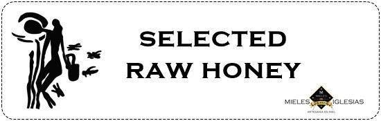 Selection raw honey